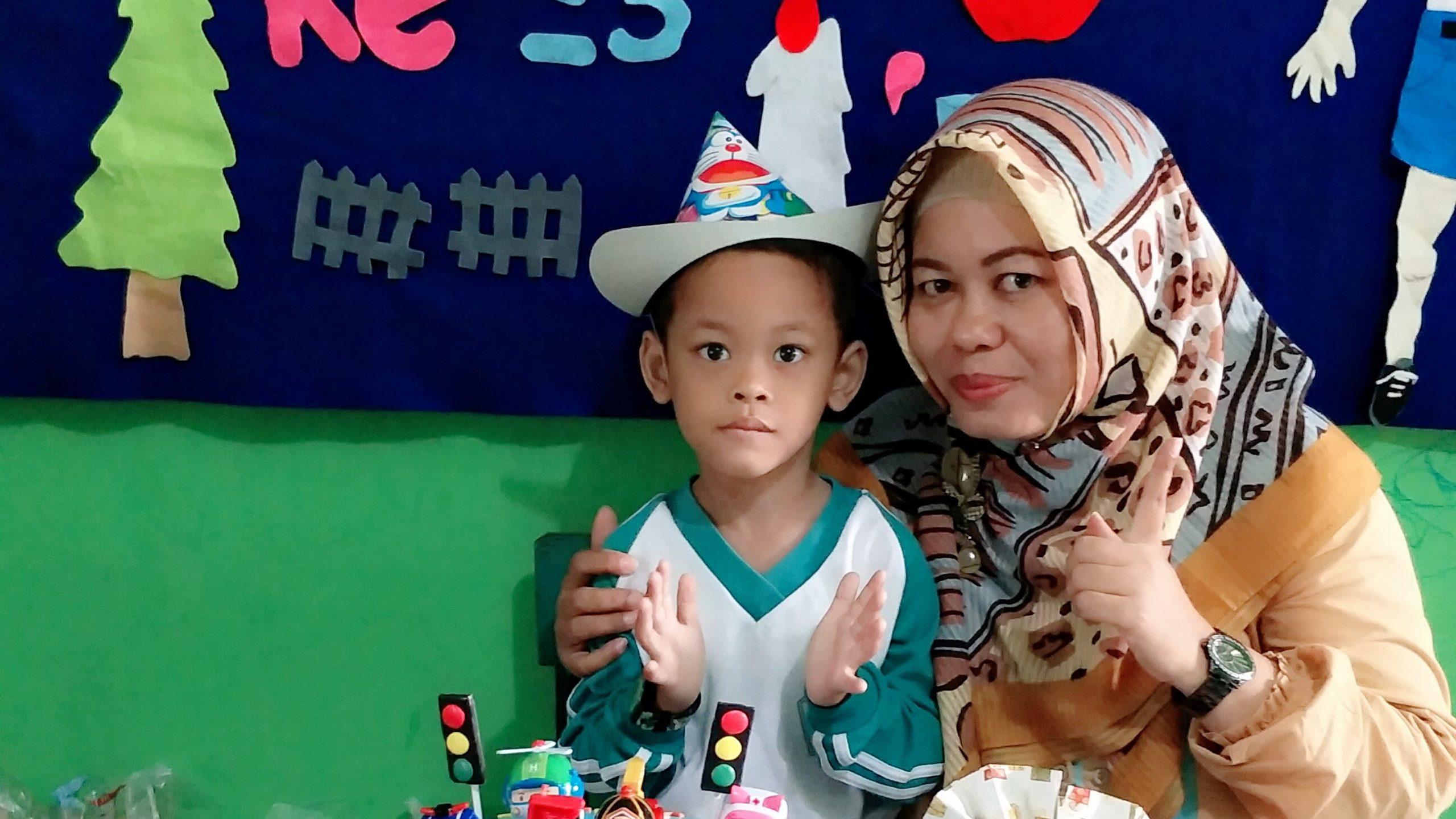 Dilla Fadilla bersama Sang Anak